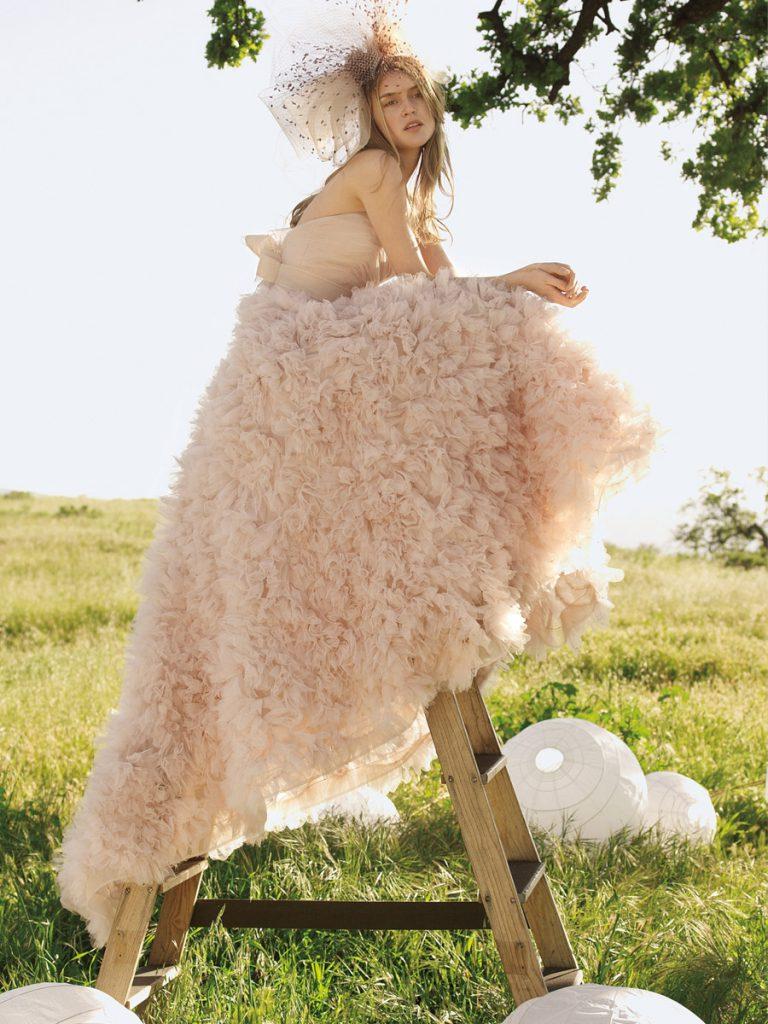 Пудрово-розовое свадебное платье