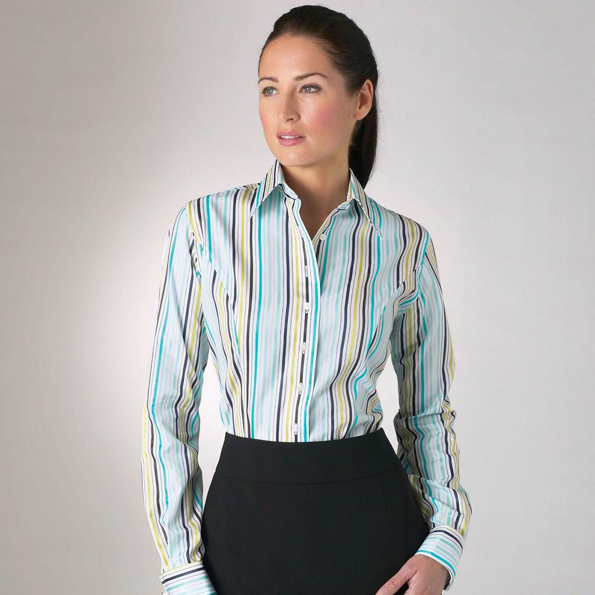 Женская рубашка в полоску с юбкой