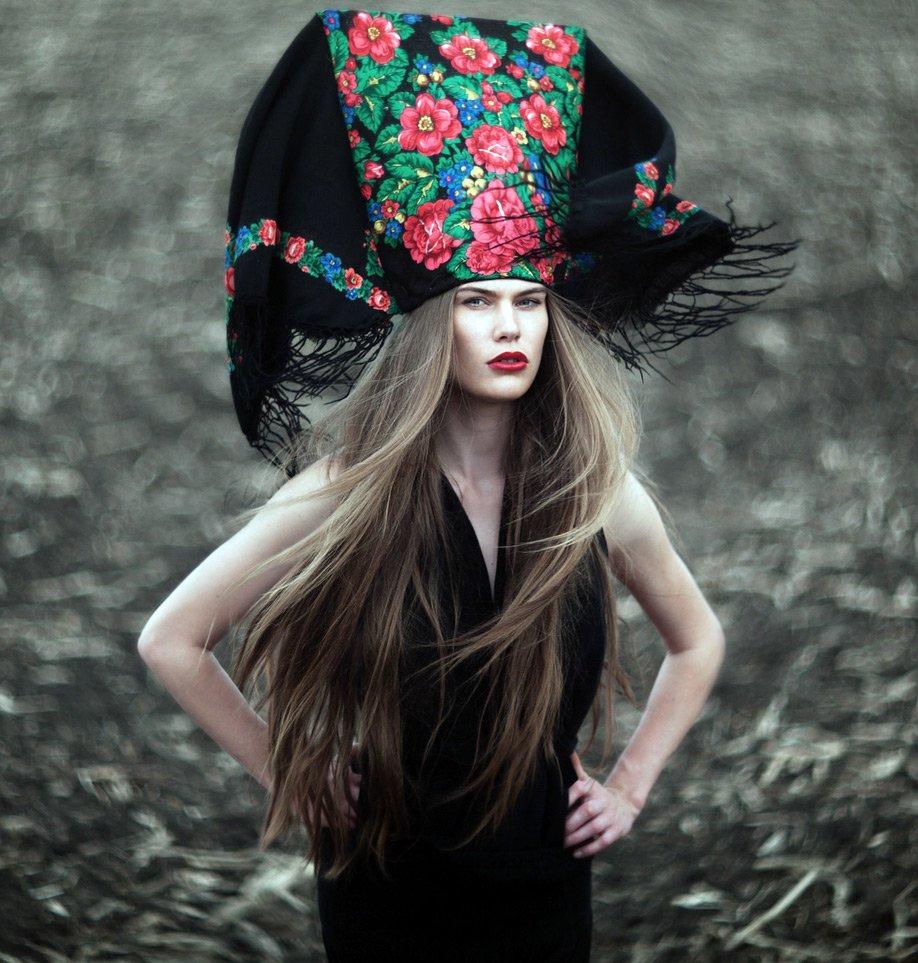 Необычный головной убор в русском стиле