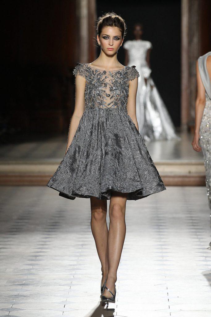 Серебряное платье и туфли