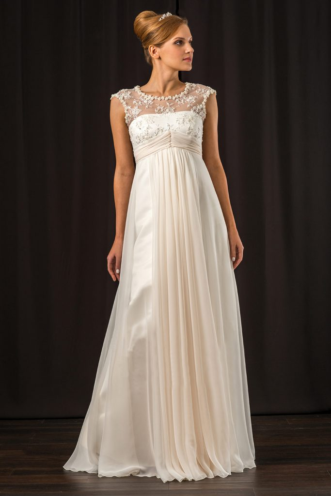 Красивое свадебное платье в стиле ампир с украшениями