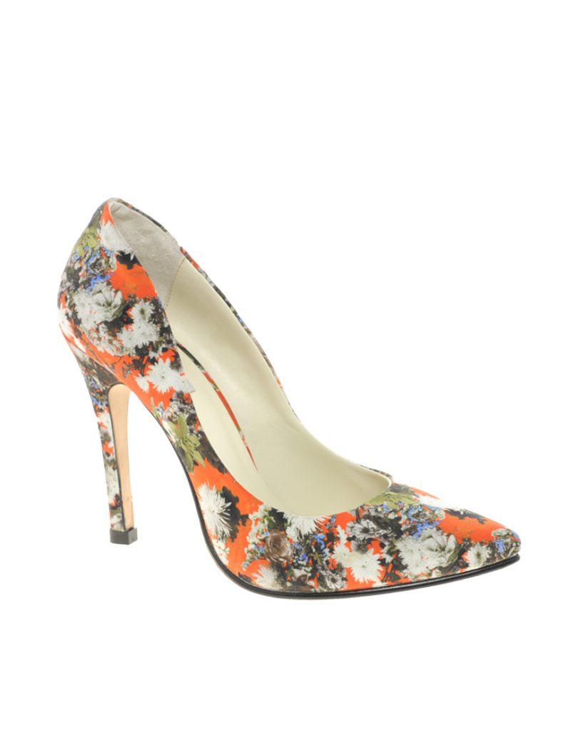 Оранжевые туфли с цветочным принтом