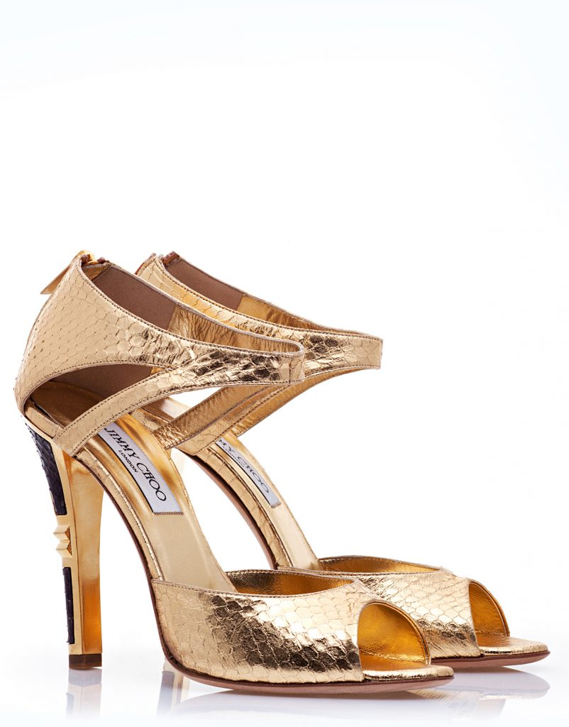 Модные золотые туфли