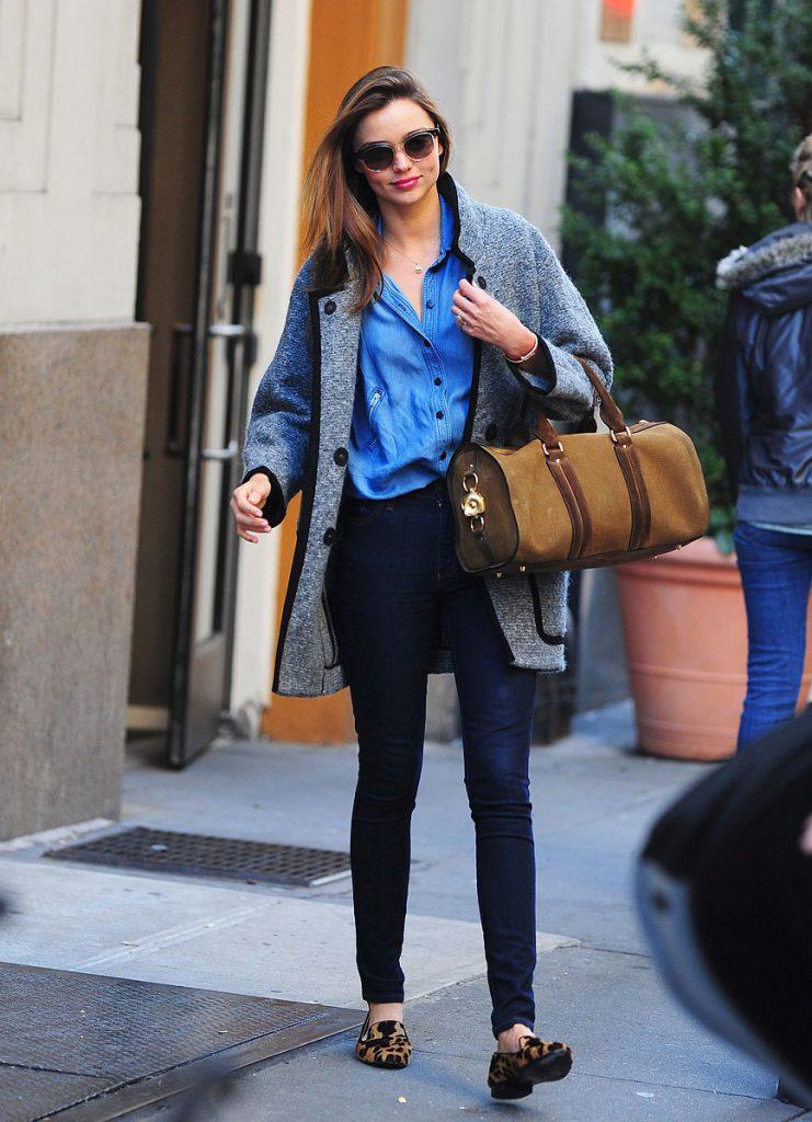 Бежевые балетки с джинсами