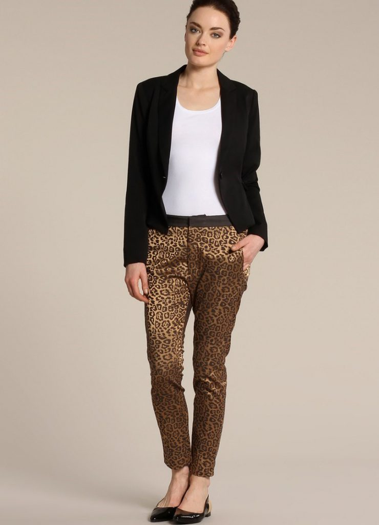 Черные балетки с леопардовыми брюками