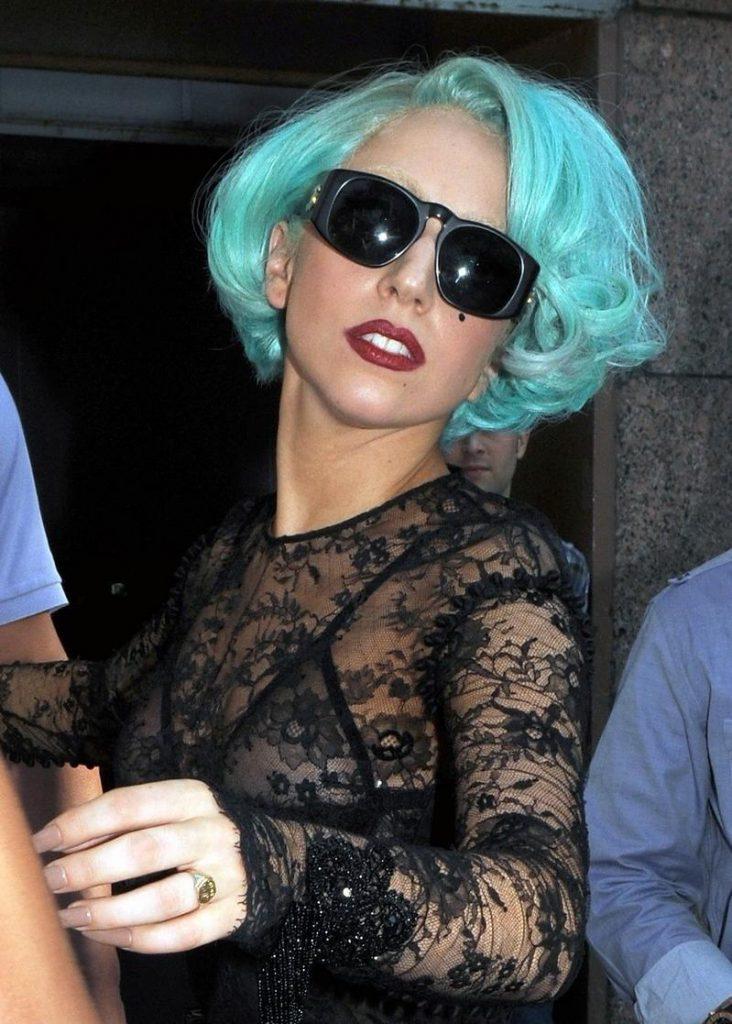Модный голубой цвет волос