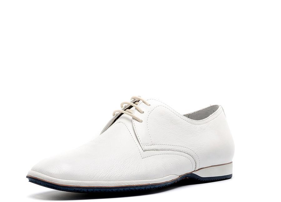 Модные мужские белые туфли