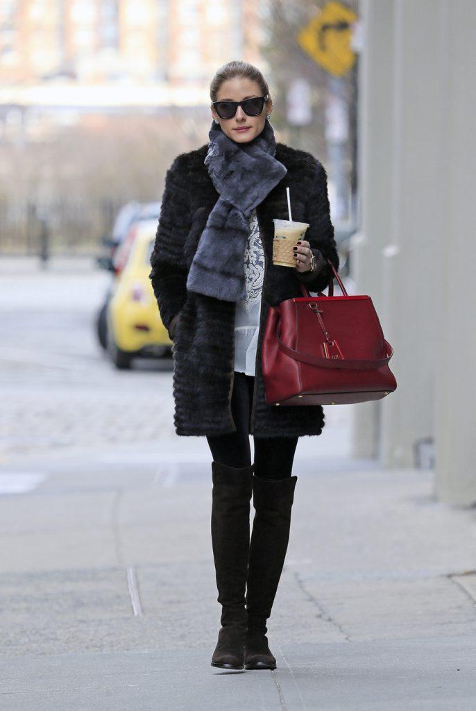 Зимний женский образ с шубой