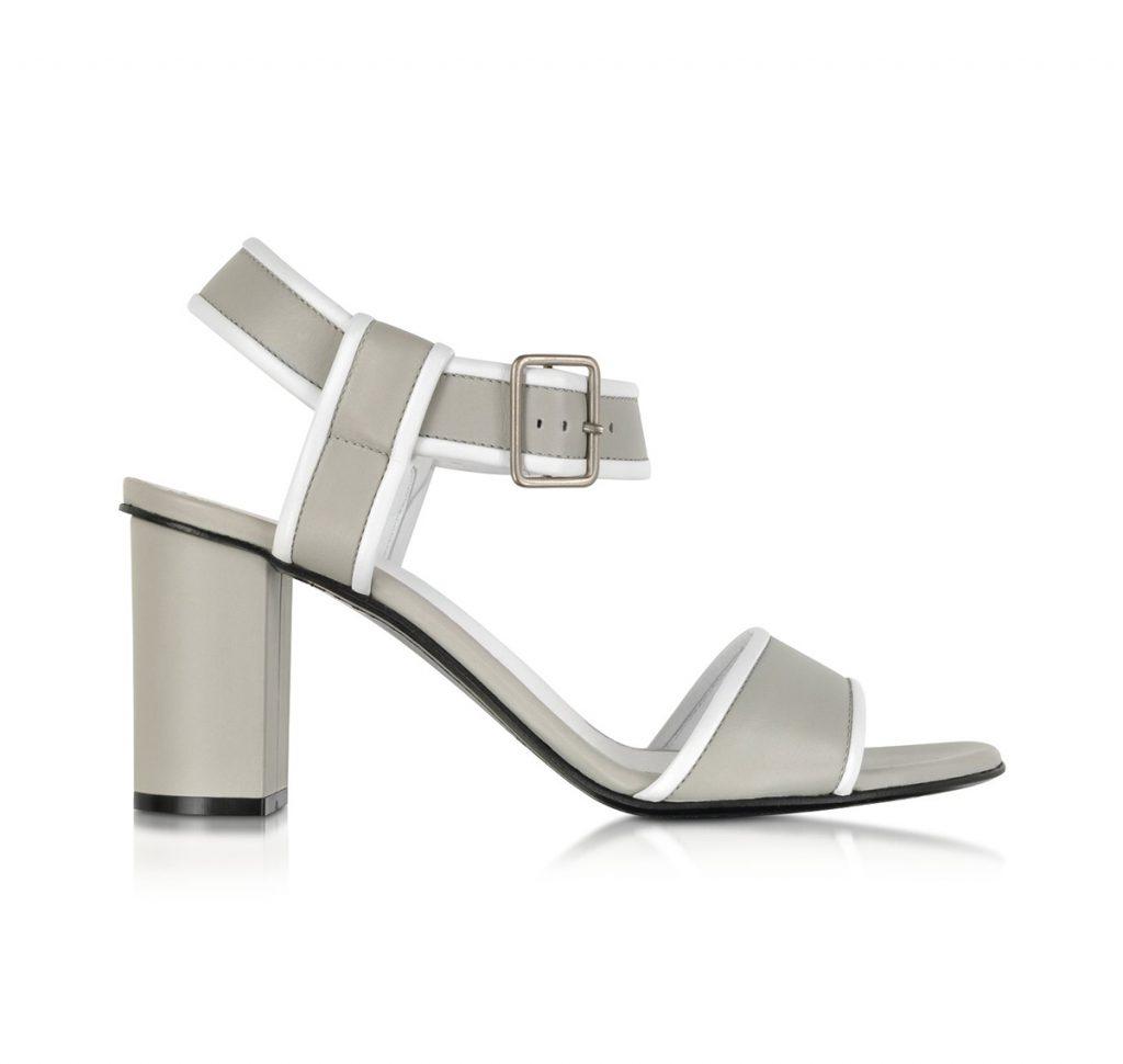 Серо-белые босоножки на толстом каблуке