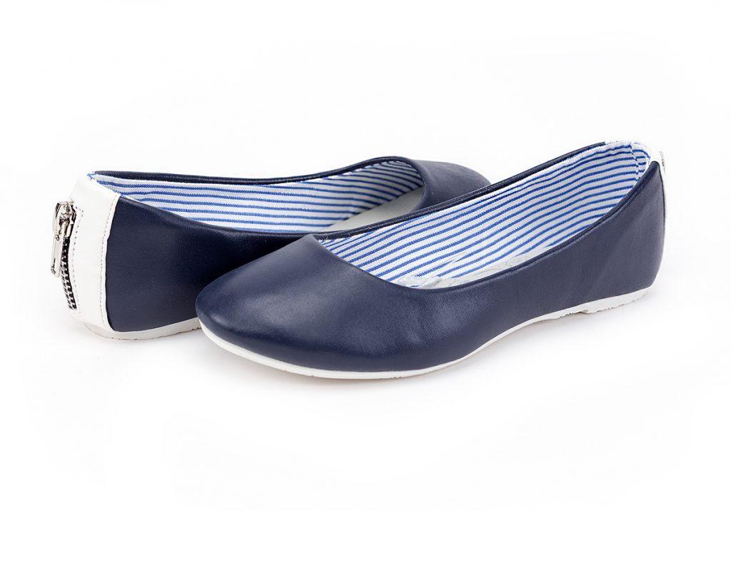 Синие балетки в морском стиле