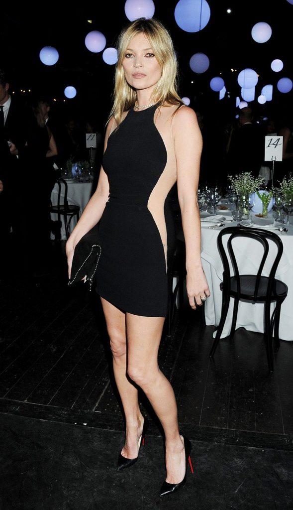 Вечерний образ Кейт Мосс в черном платье