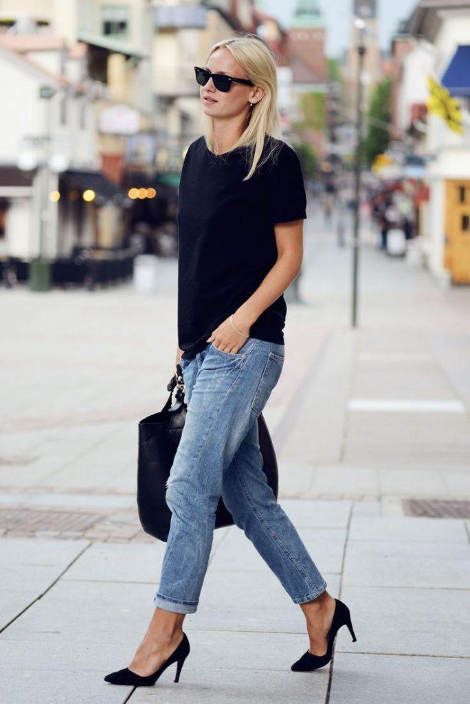 Черные замшевые туфли с джинсами
