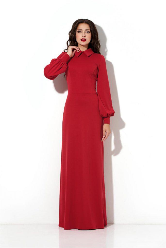 Зимнее красное платье в пол