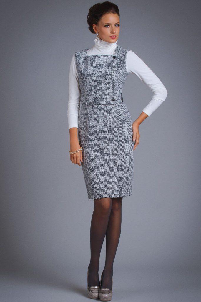 Серое зимнее платье-сарафан