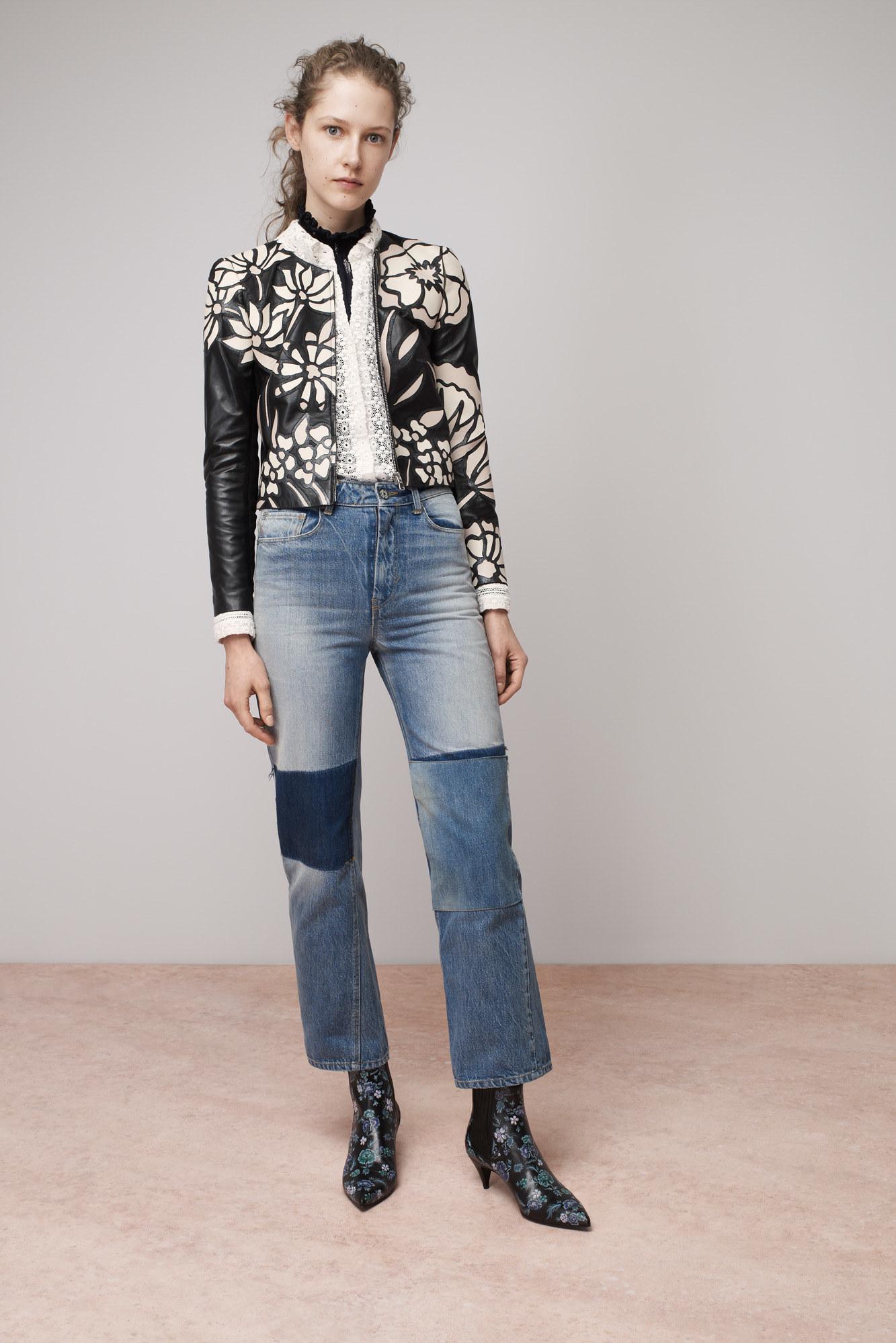 Кожаный пиджак с аппликацией