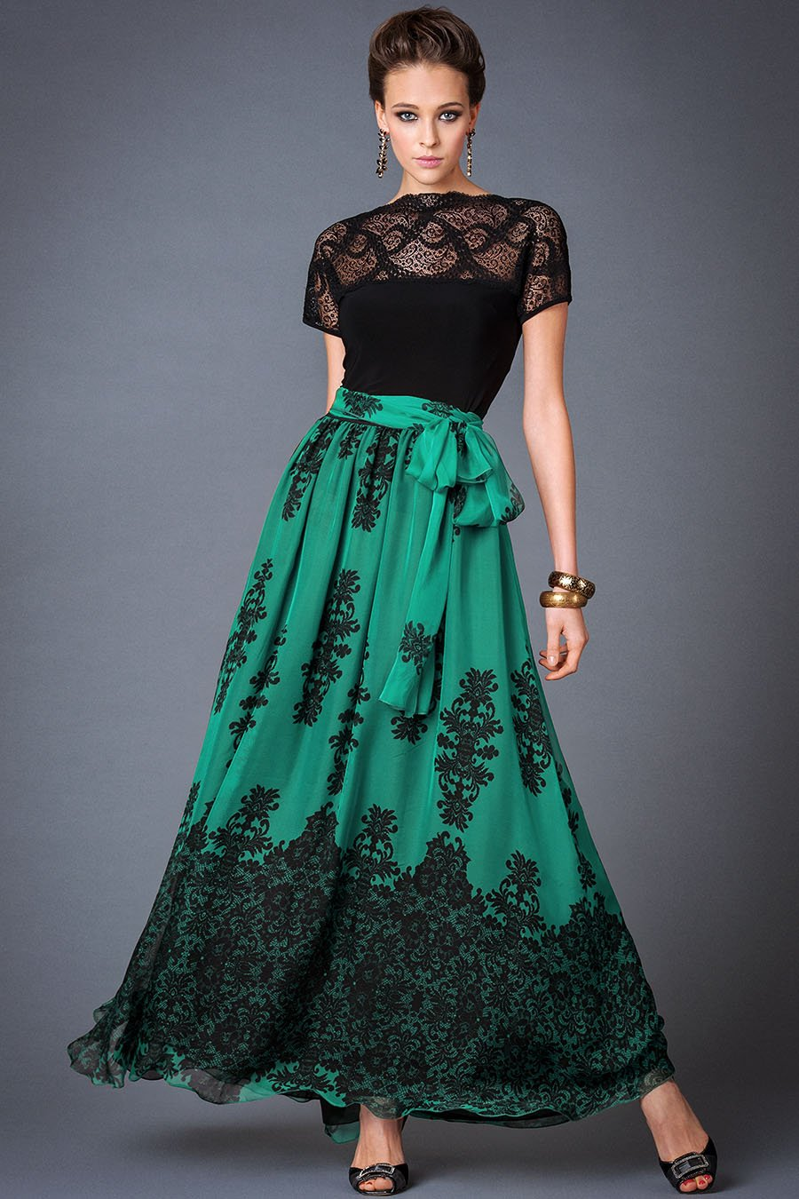 Украшение длинной юбки кружевом