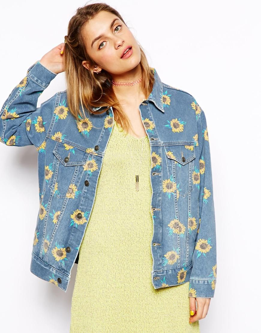 Молодежная джинсовая куртка с принтом