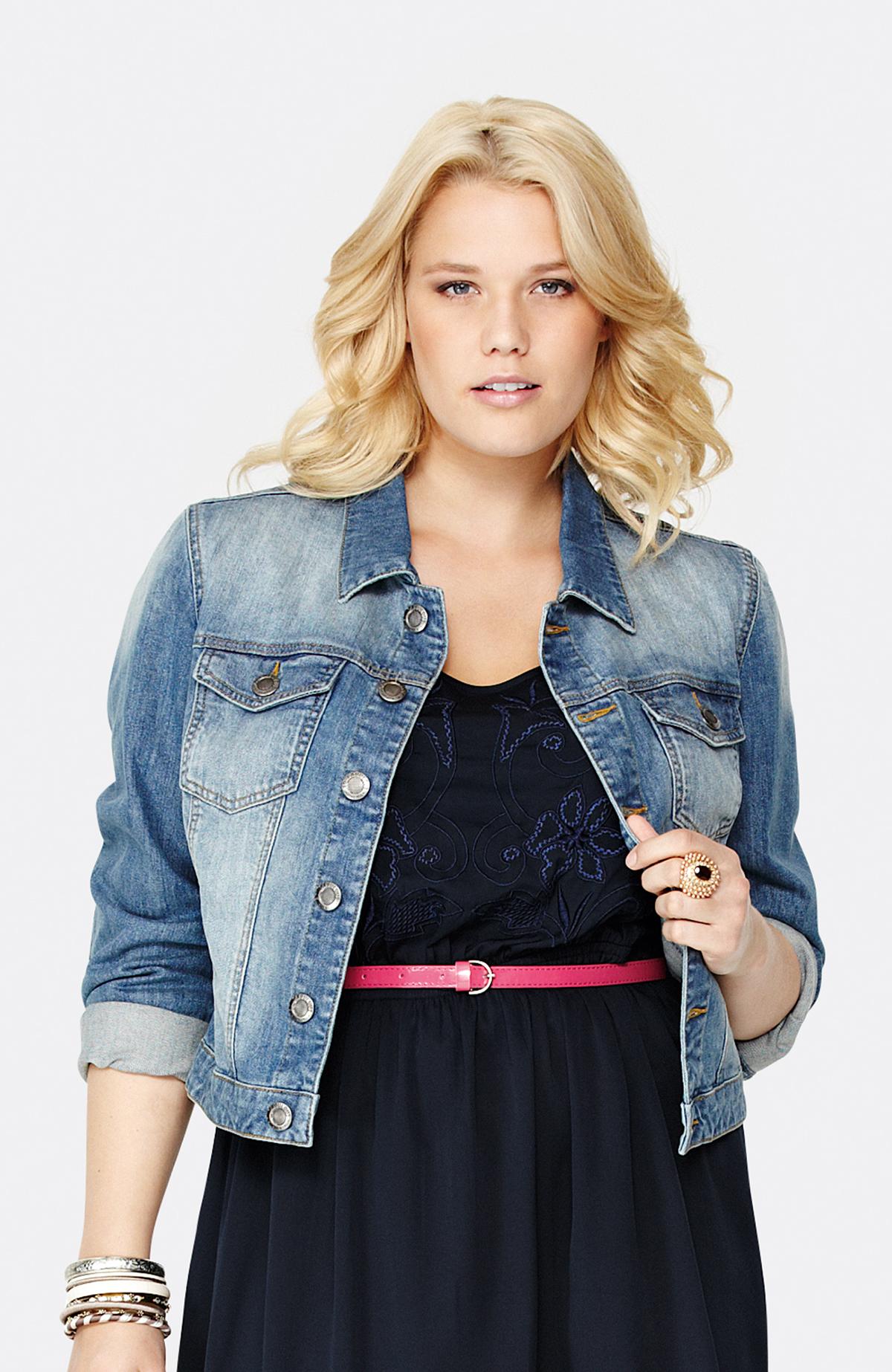 Летняя джинсовая куртка для полных женщин