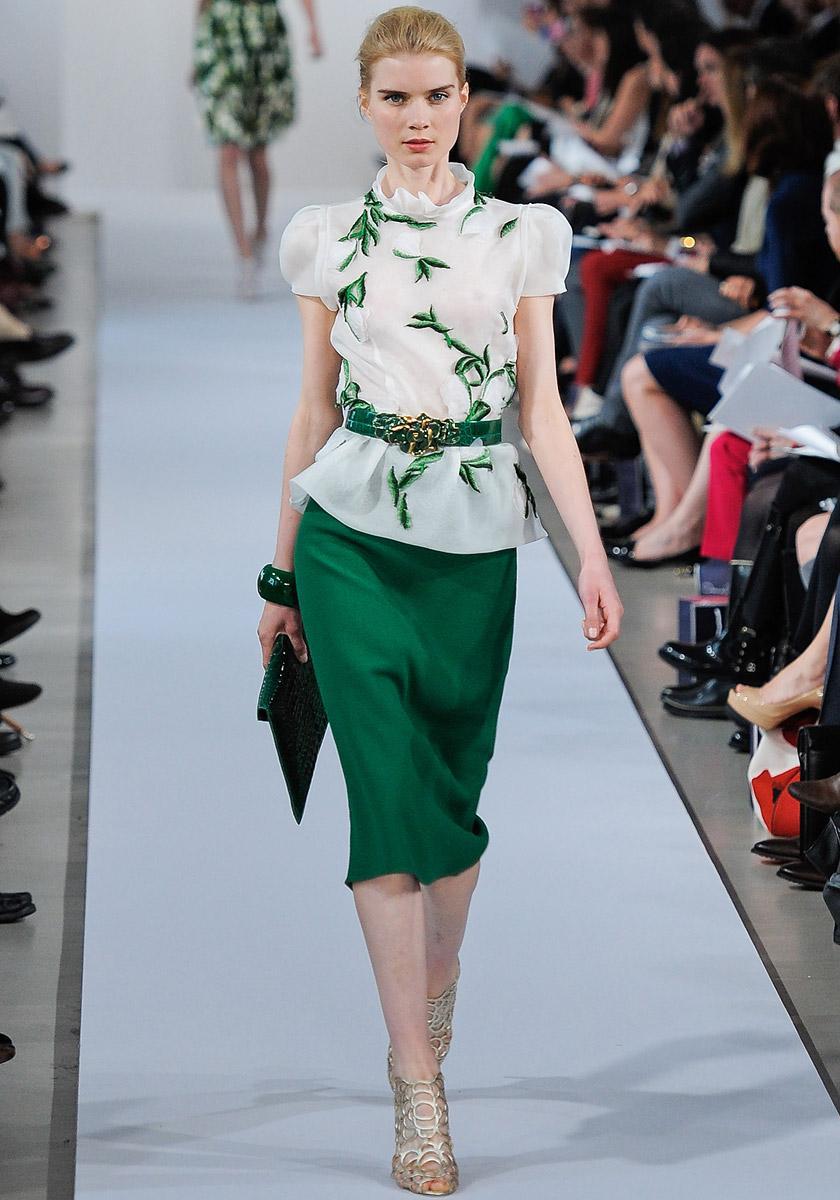 Атласная юбка-карандаш зеленого цвета