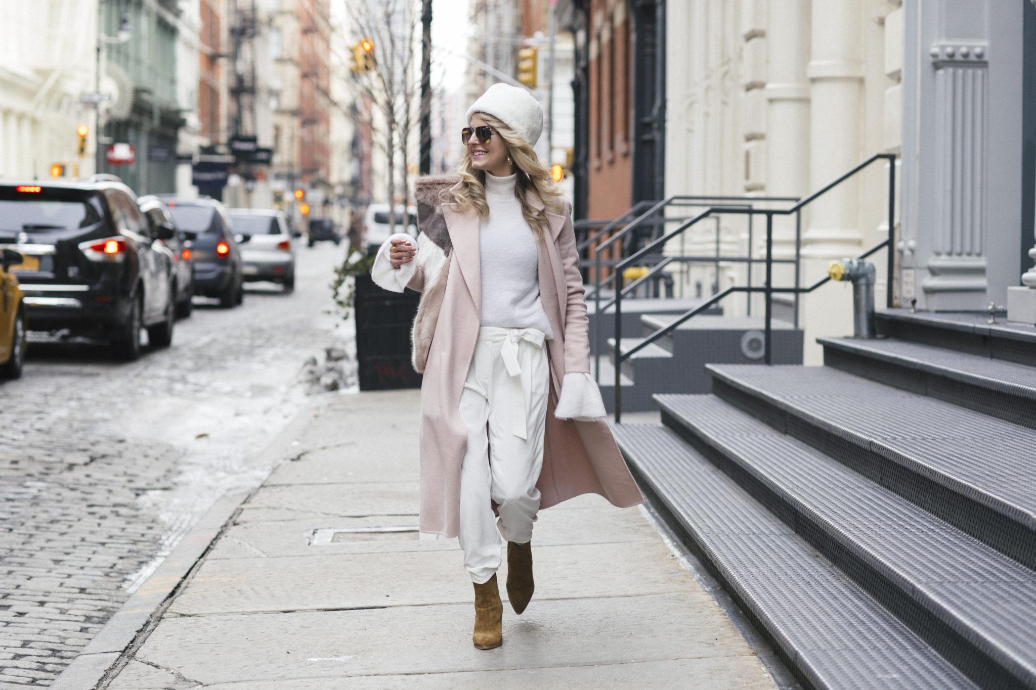 Модные белые джоггеры