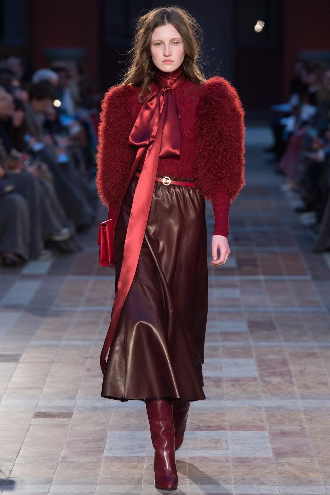 Бордовая юбка из экокожи