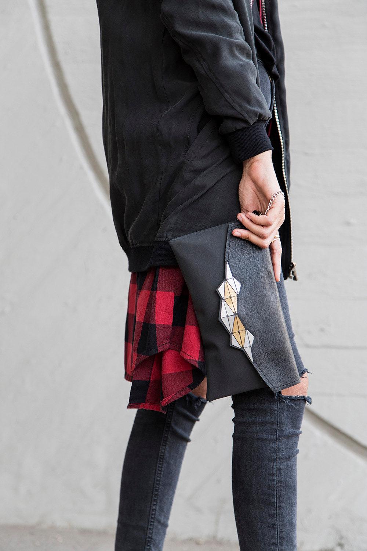 Модный клатч-конверт