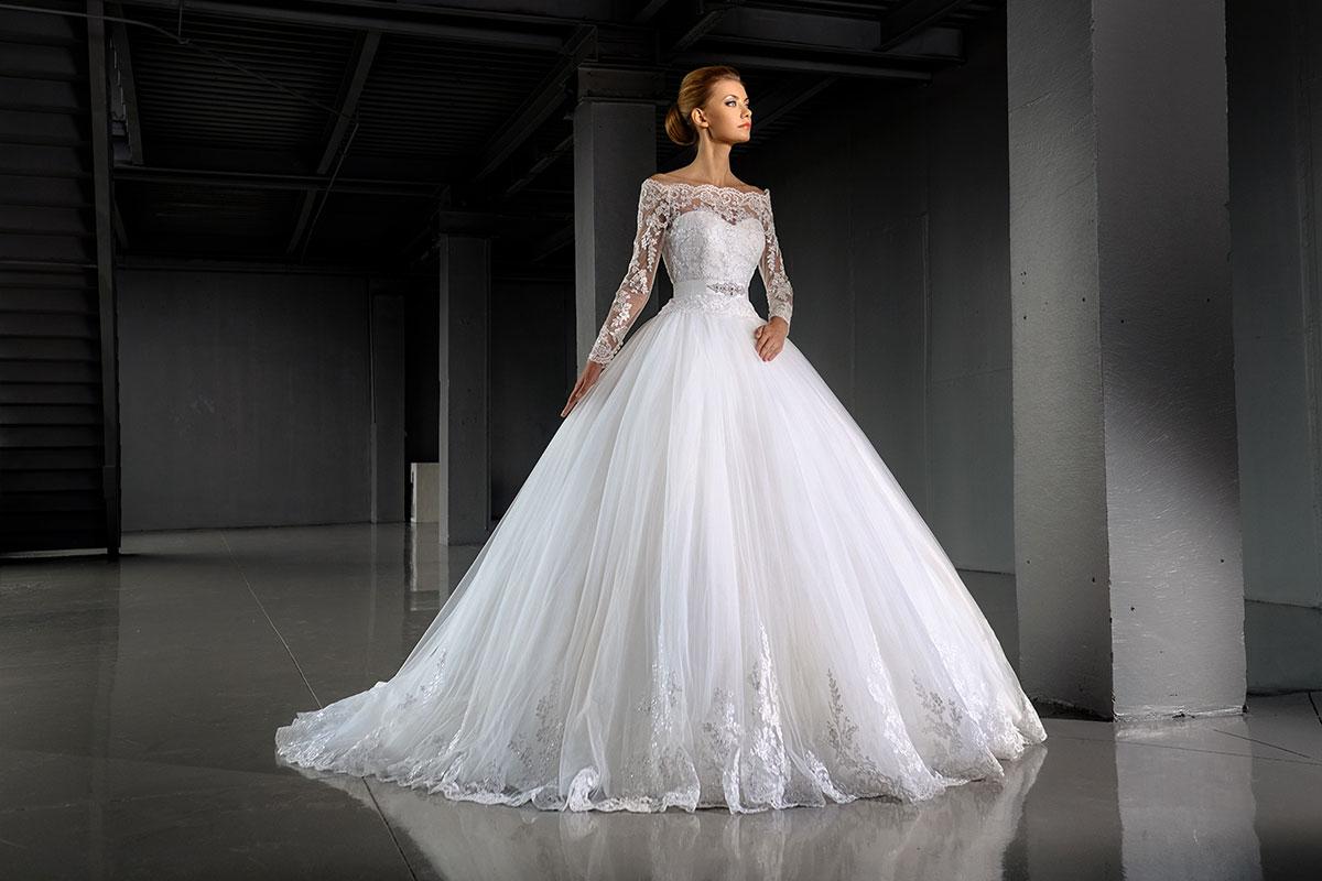 Пышное венчальное платье