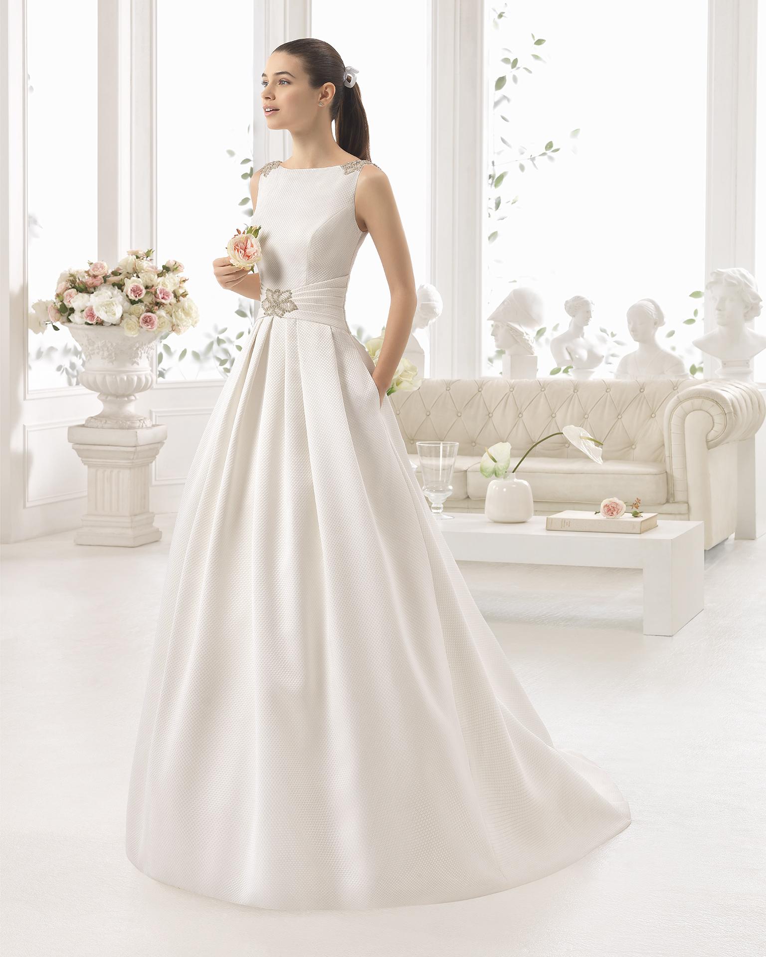 Модное платье для венчания без рукавов