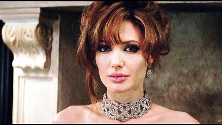 Анжелина Джоли в чокере