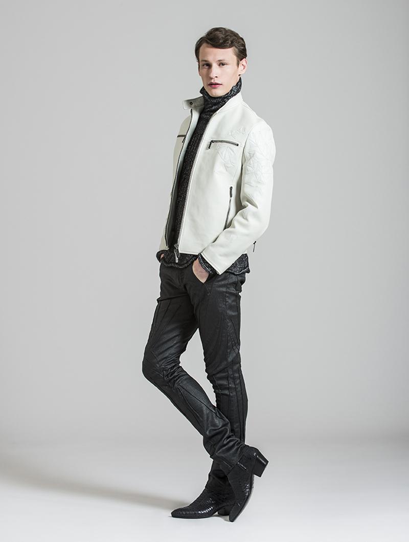 Белая мужская кожаная куртка