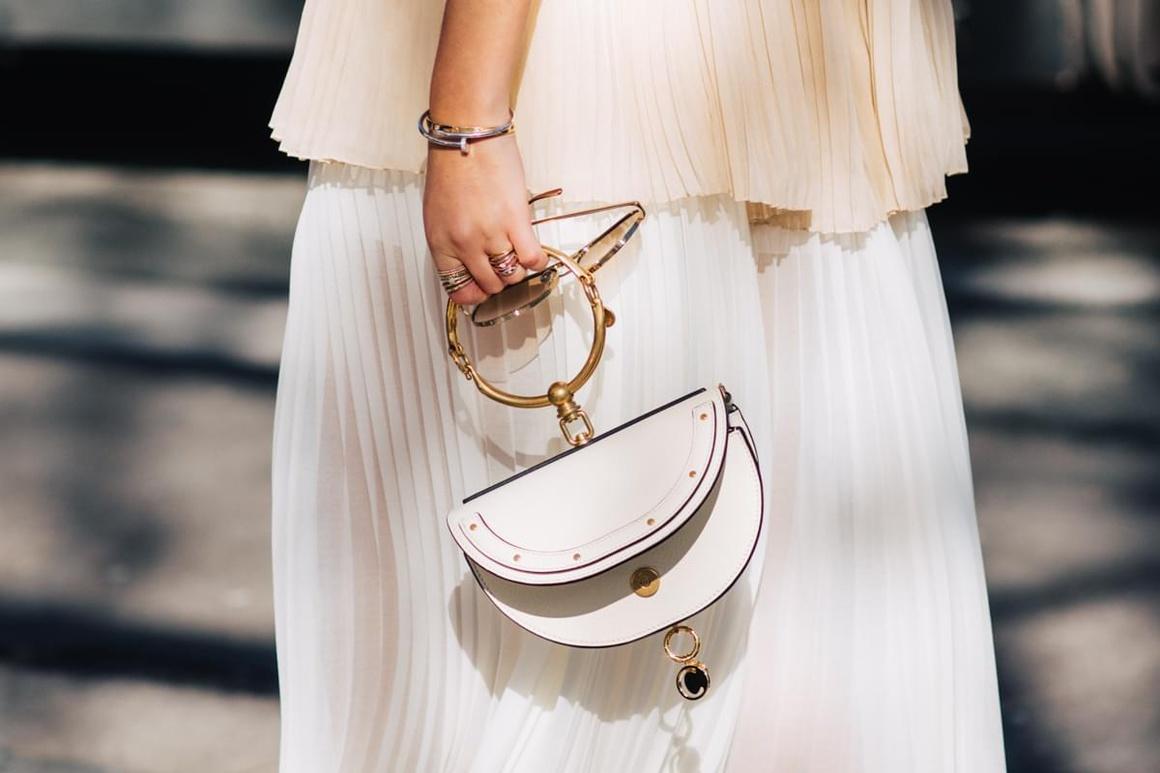 Белая сумка 2018