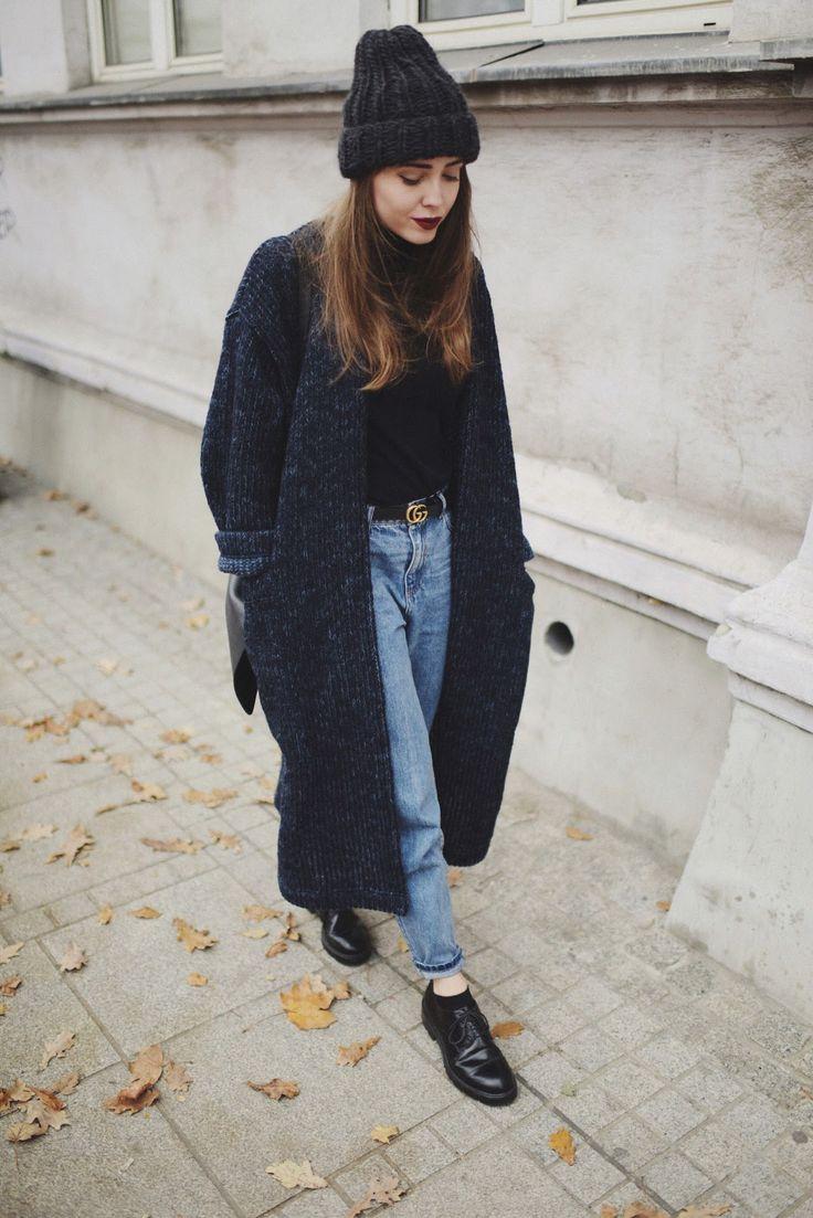 шапки 2018 модные на осень и зиму молодежные и женские вязаные