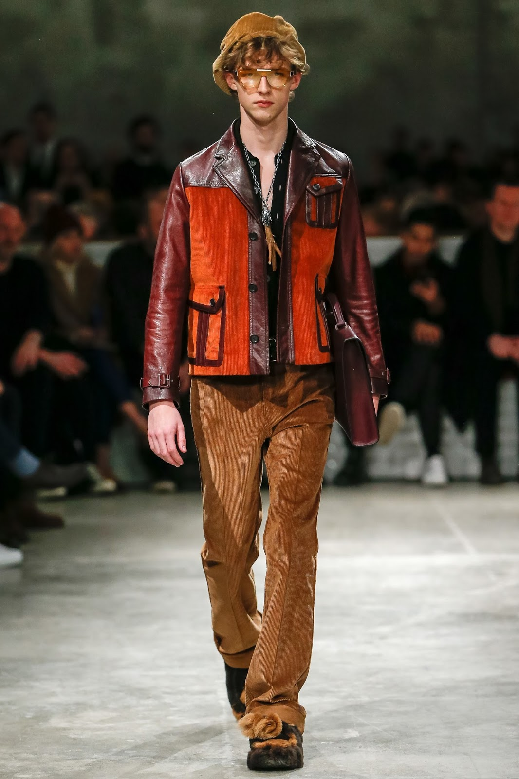 Цветная мужская кожаная куртка