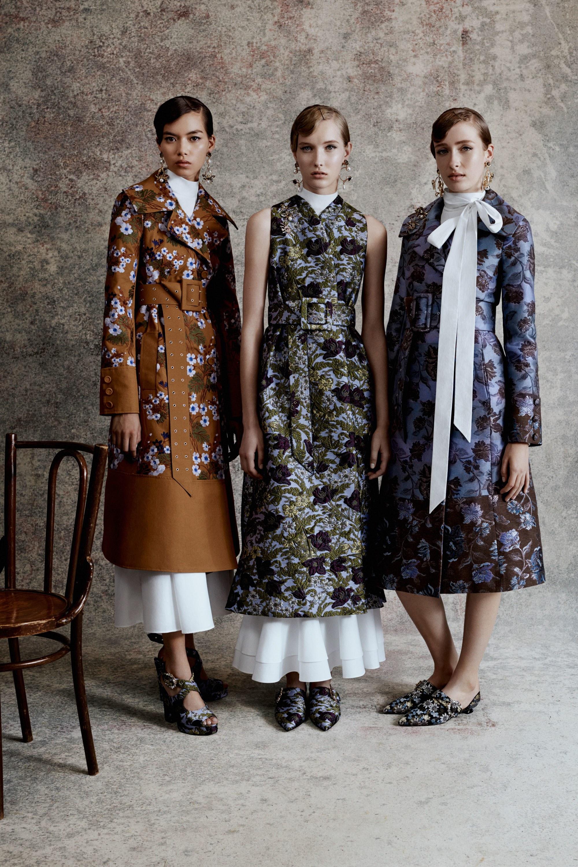 Шерстяное пальто с цветочным принтом
