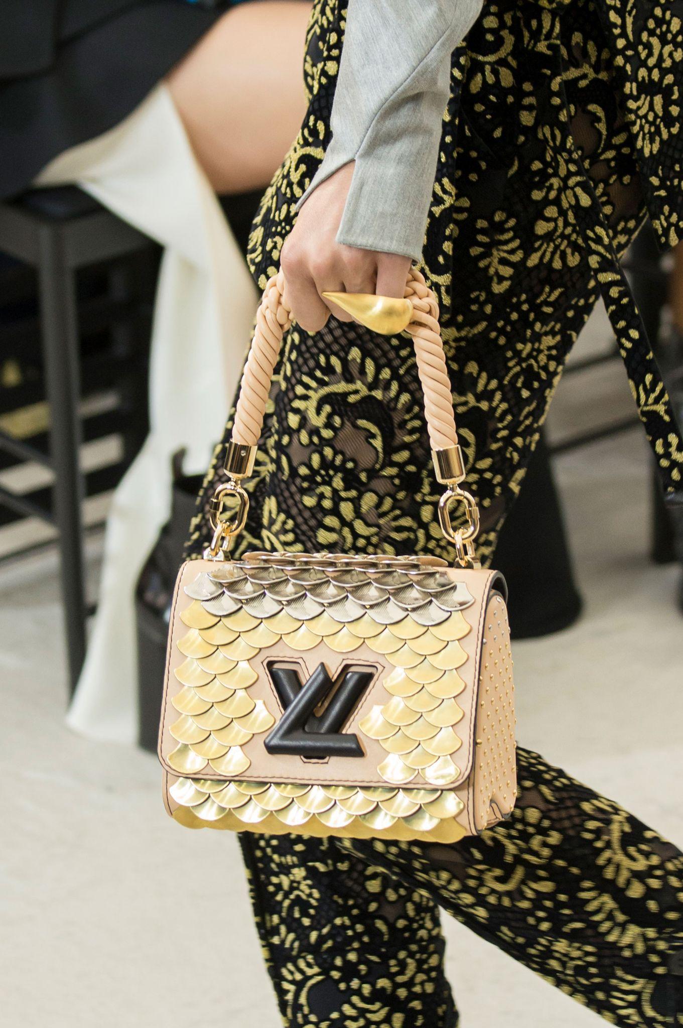 Модная сумка с декором 2018