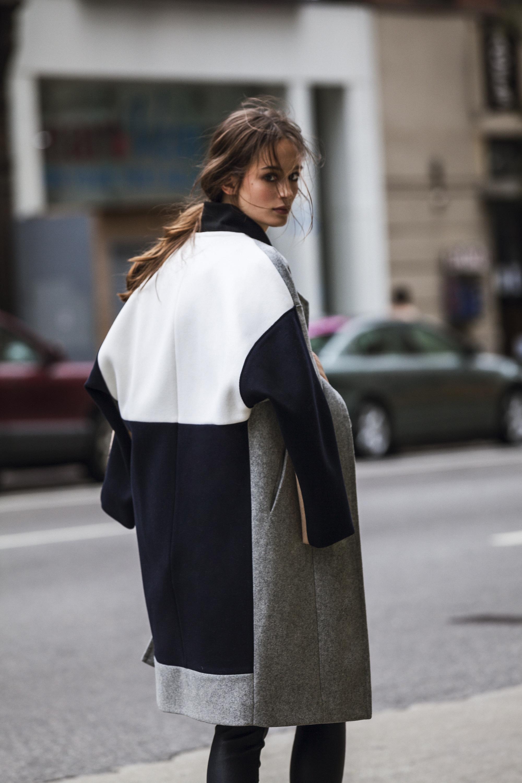 Серое пальто комбинированное