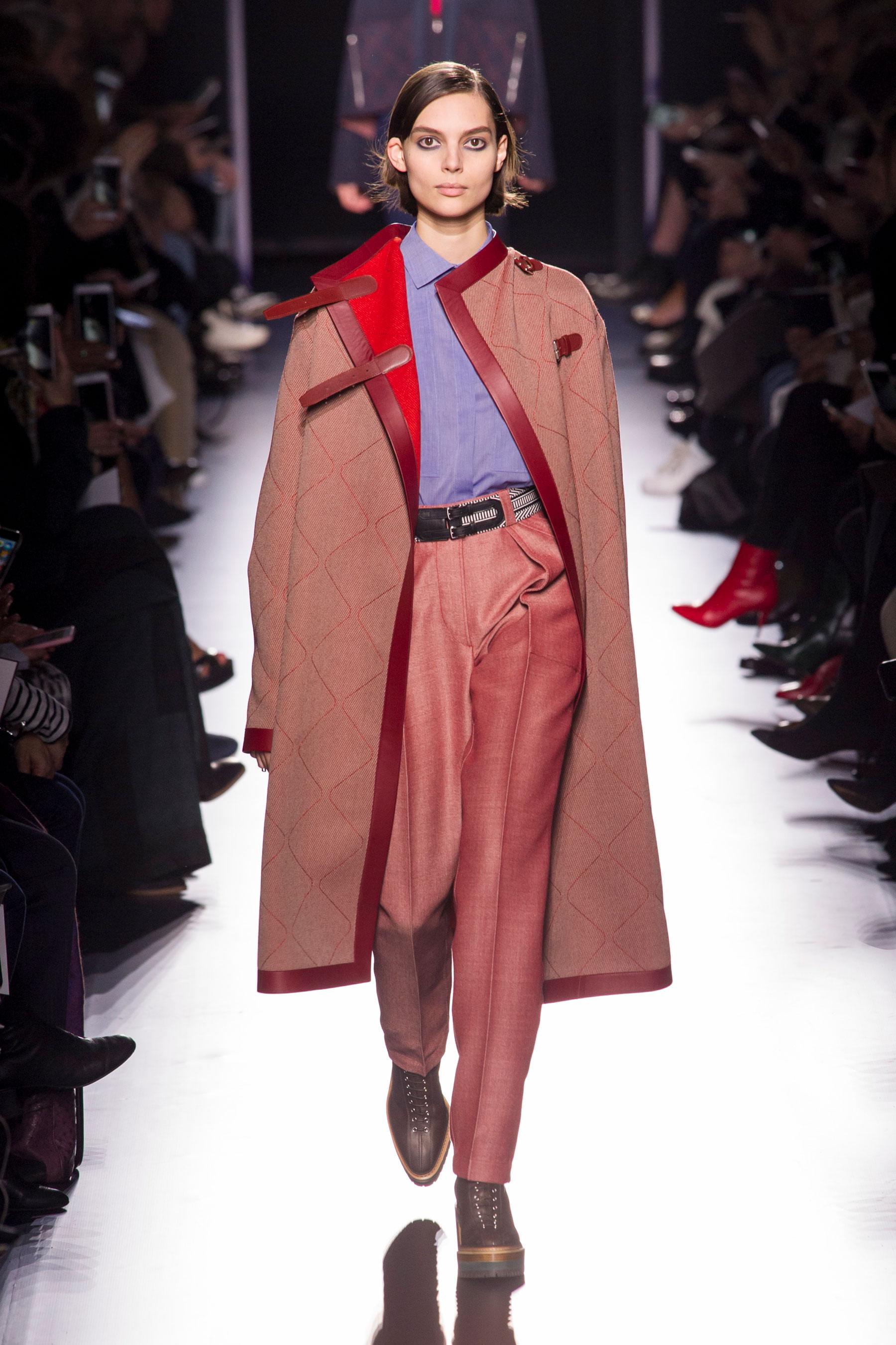 Пальто с красное оторочкой 2018