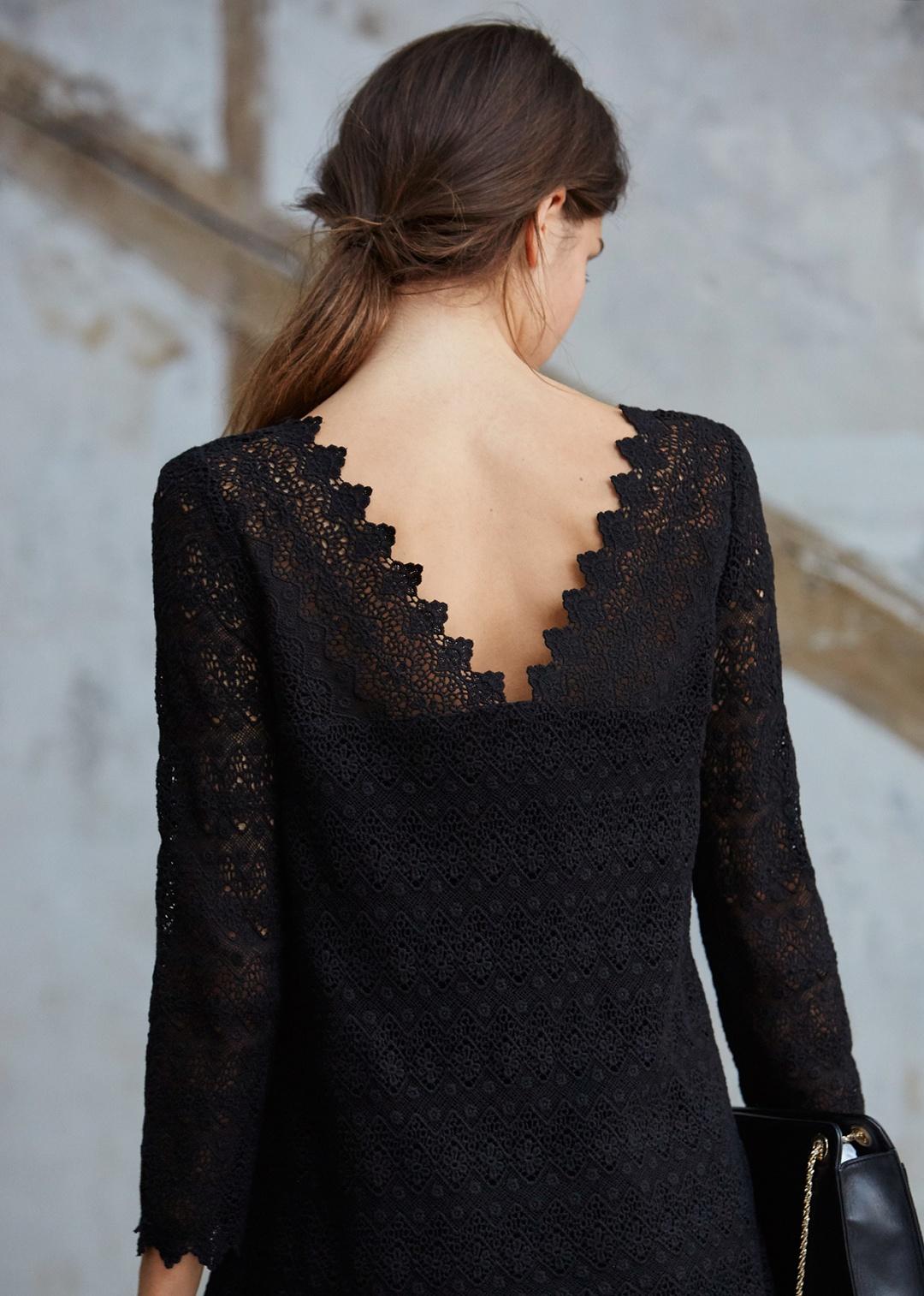 Черная блузка кружевная