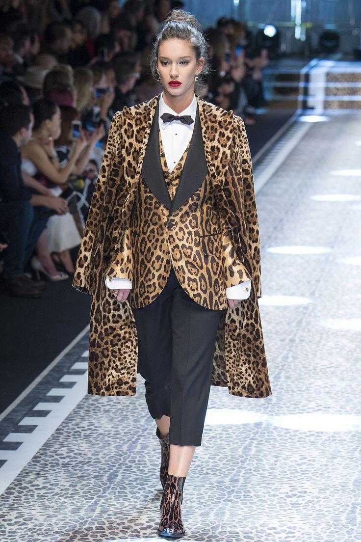 Шерстяное пальто леопардовое