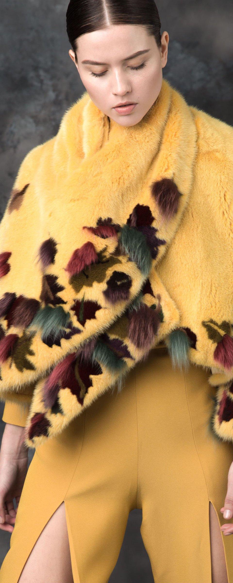 Манто из стриженного меха