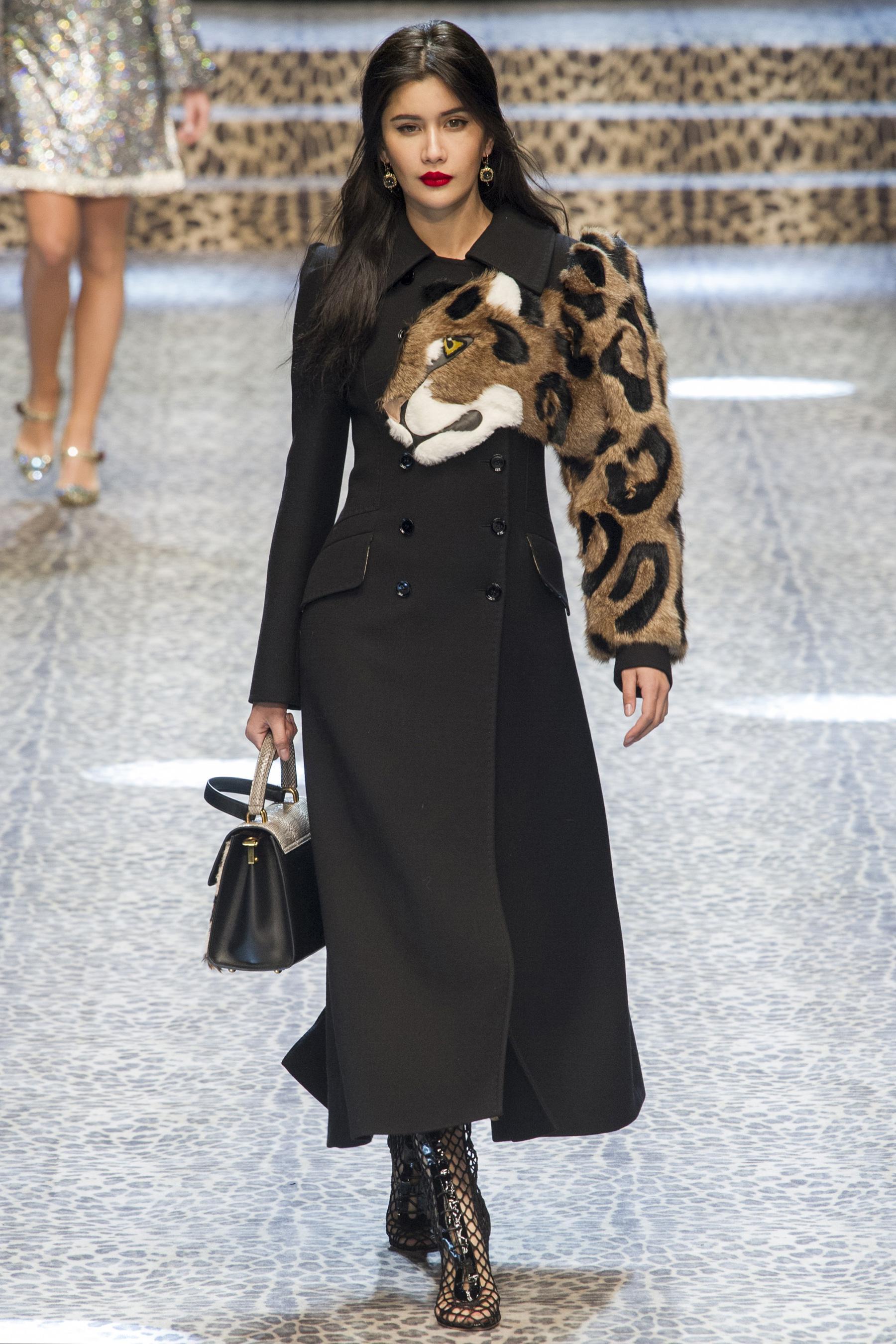 Пальто с меховым принтом 2018