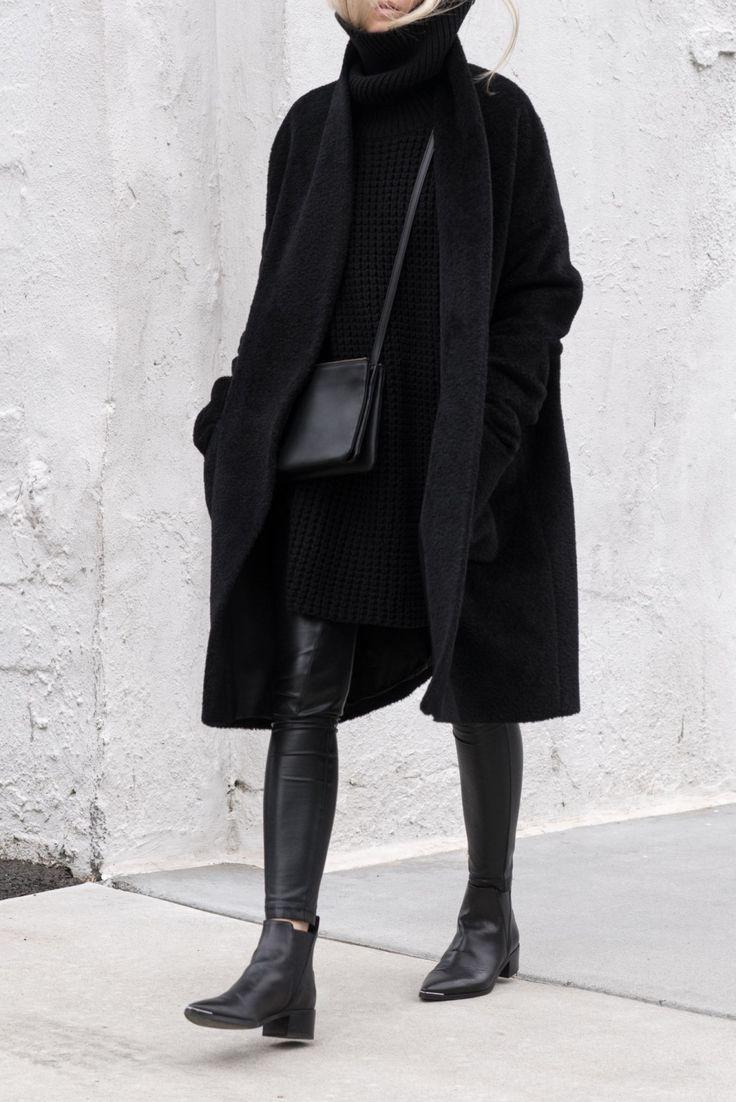 Черная водолазка платье