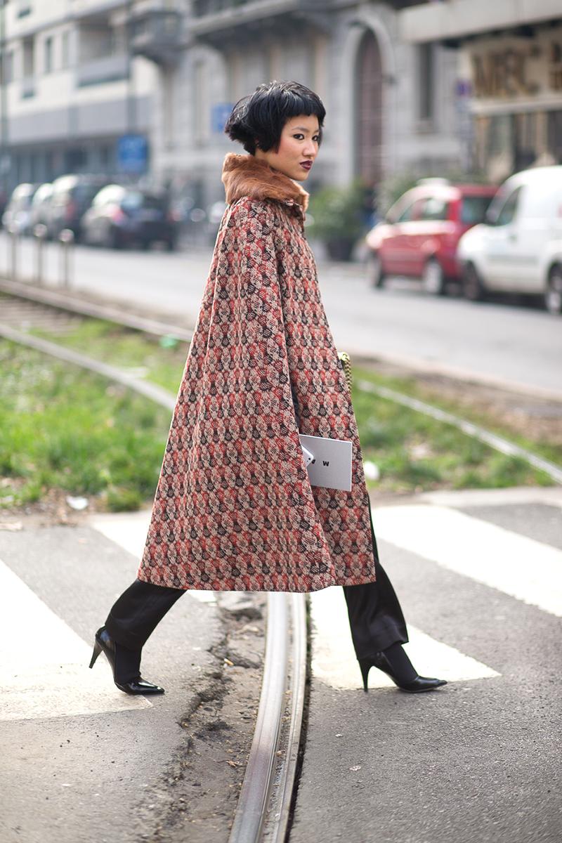 Шерстяное пальто пончо