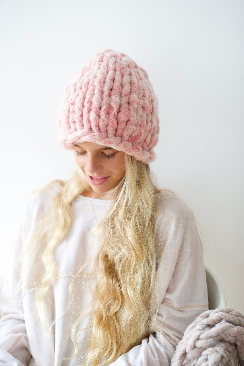 Модная розовая шапка 2018