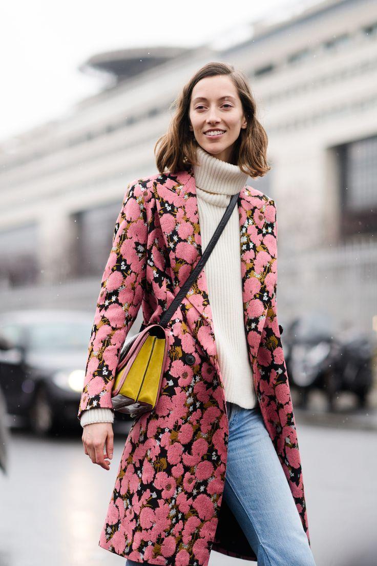 Модное розовое шерстяное пальто