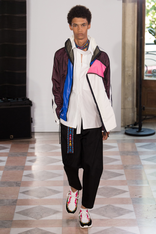 Мужская спортивная куртка 2018