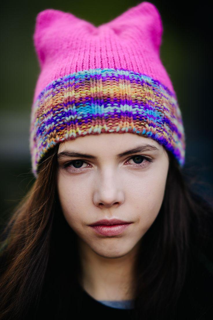 Модная яркая шапка 2018