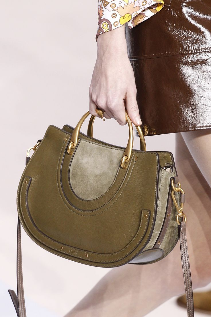 Зеленая сумка 2018
