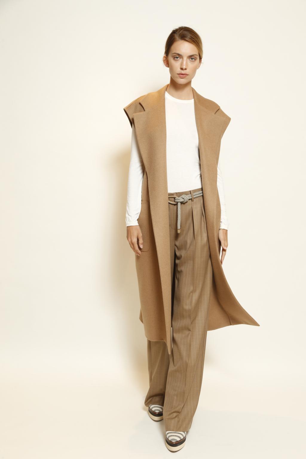 Модное шерстяное пальто без рукавов