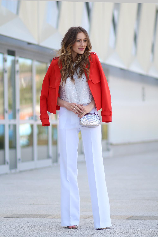 Красный пиджак с английским воротником